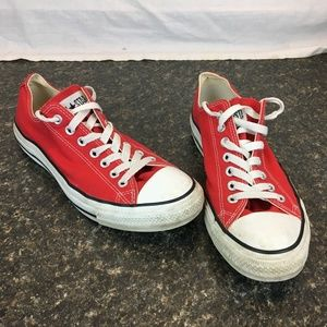 Red Convrse all star size 9 mens